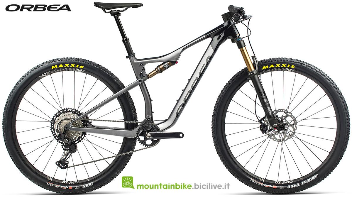 La nuova mountain bike biammortizzata Orbea Oiz M10 TR 2021