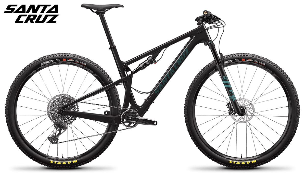 "Una mountain bike biammortizzata Santa Cruz Blur 3 C 29"" S 2021"