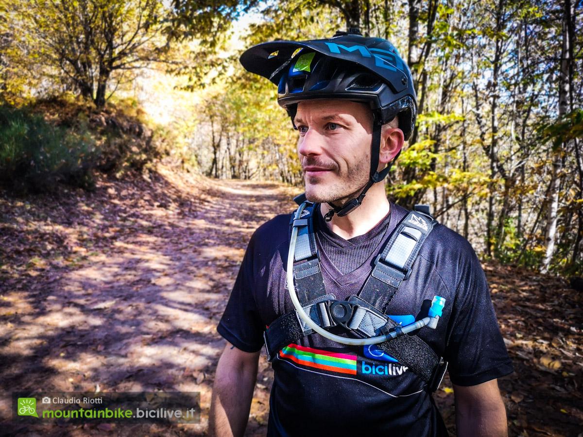 Foto di Claudio Riotti che indossa lo zaino Uswe Patriot 15