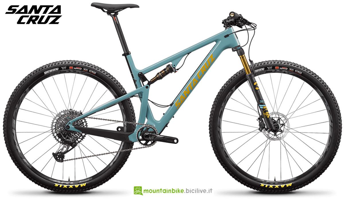 "La nuova mountainbike biammortizzata Santa Cruz Blur CC X01 29"" 2021"