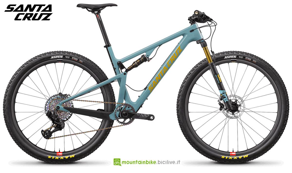 """La nuova mountainbike biammortizzata Santa Cruz Blur CC X01 TR RSV 29"""" 2021"""