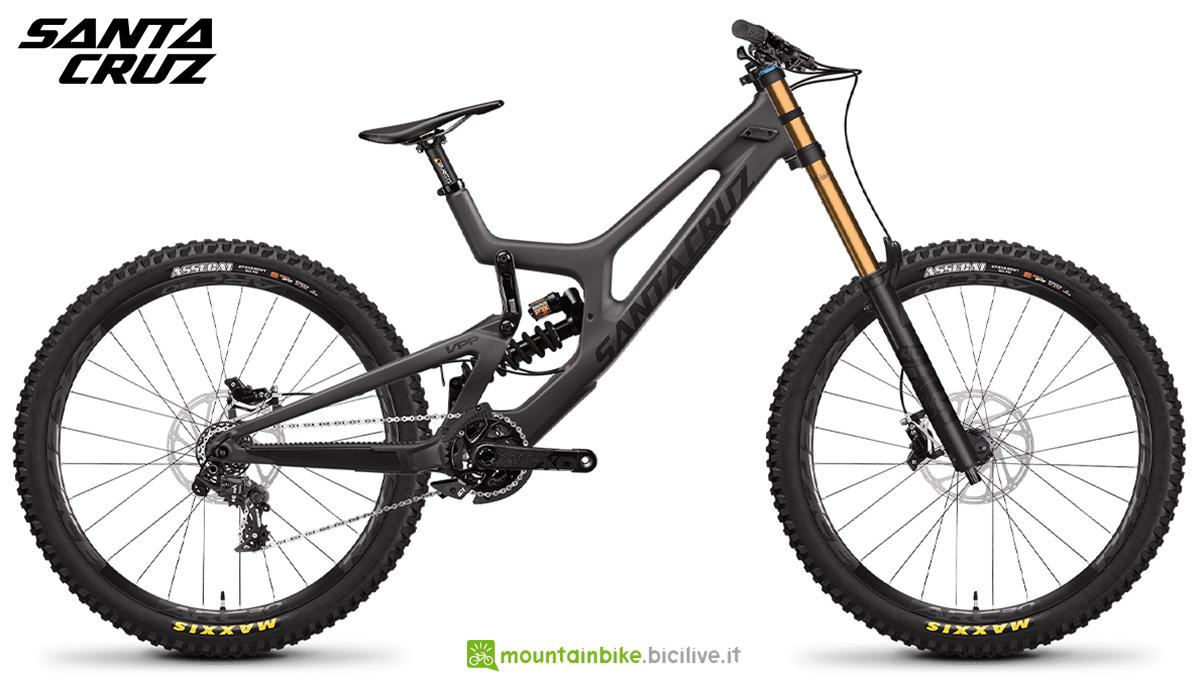 La nuova mtb emullet Santa Cruz V10 CC X01 2021