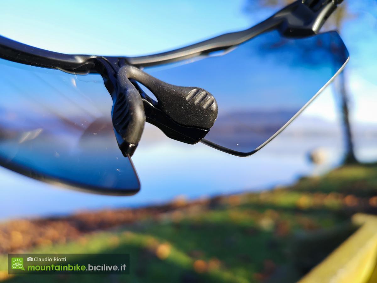 Foto del nasello degli occhiali Oakley Radar EV Pitch