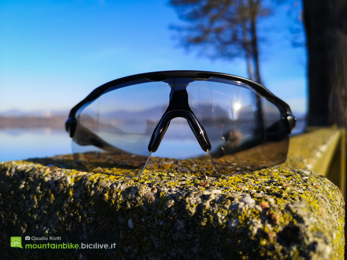 Foto degli occhiali sportivi Oakley Radar EV Pitch