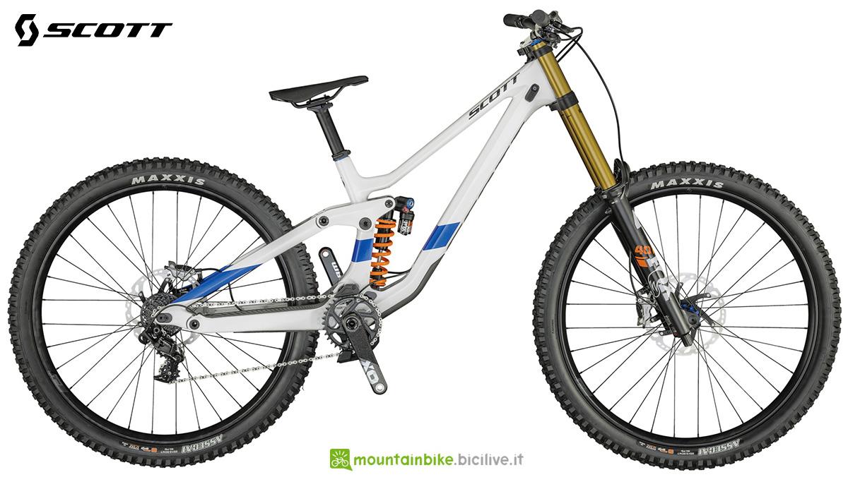 La nuova mountainbike biammortizzata Scott Gambler 900 Tuned 2021