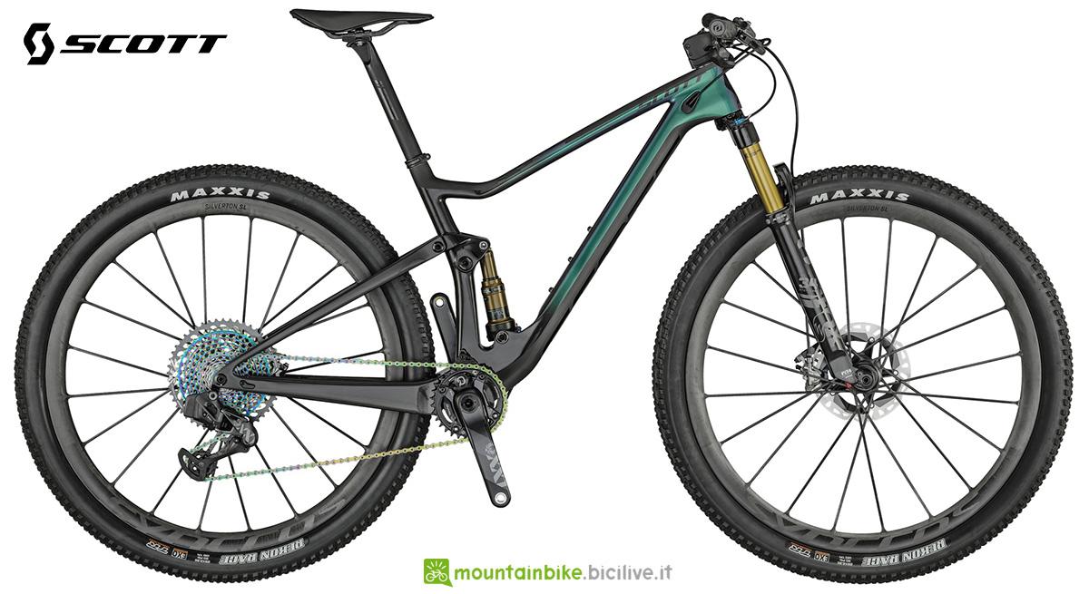 La nuova mountainbike full Scott Spark RC 900 SL ARS 2021