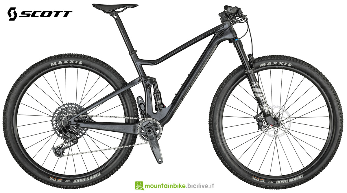 La nuova mountainbike full Scott Spark RC 900 Team 2021