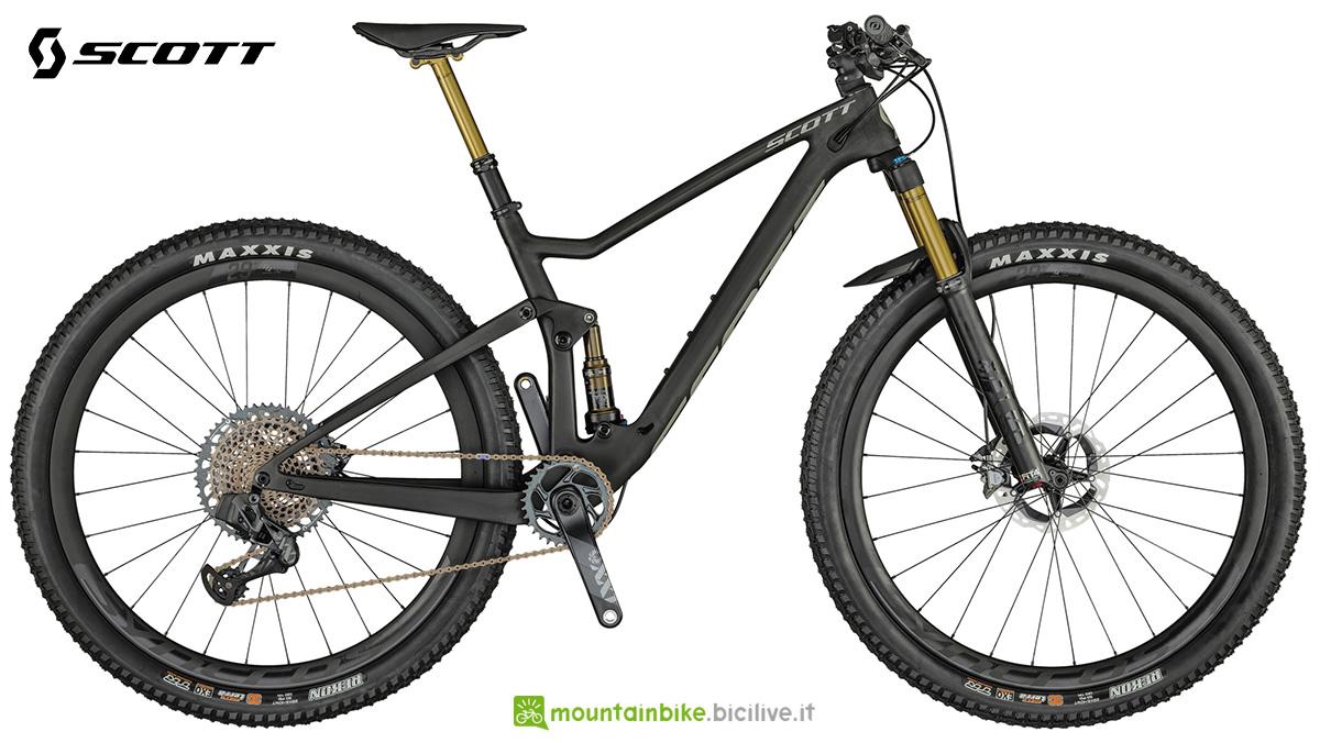 La nuova mountainbike biammortizzata Scott Spark RC 900 Ultimate AXS 2021