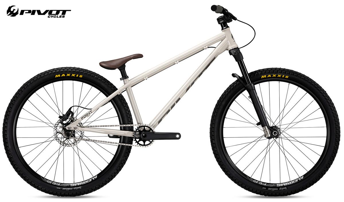 La nuova bici da dire jump Pivot Cycles Point 2022 vista lateralmente