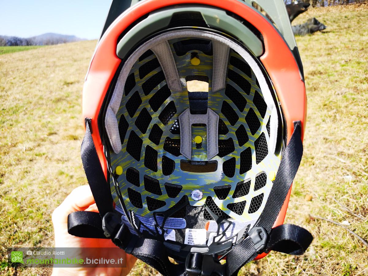 Le aperture presenti all'interno del nuovo casco mtb Smith Forefront 2 offrono un'ottima traspirabilità