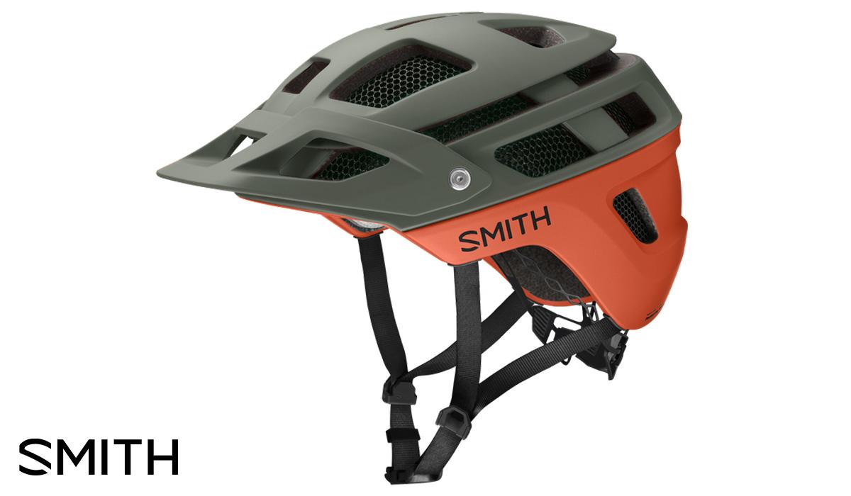 Il casco per mountainbike Smith Forefront 2 visto di trequarti