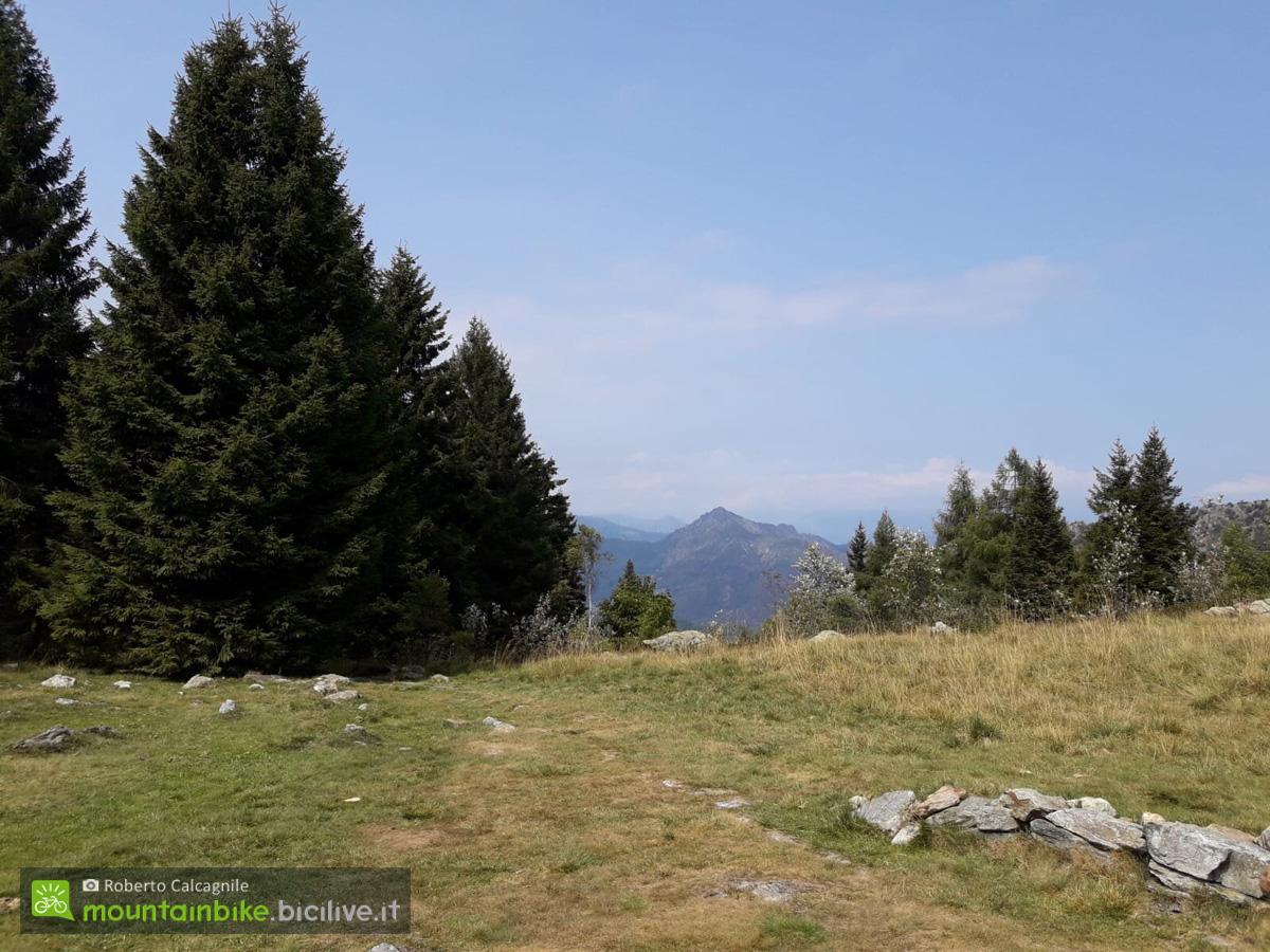 Panorama dal pianoro sul Colle della Portia