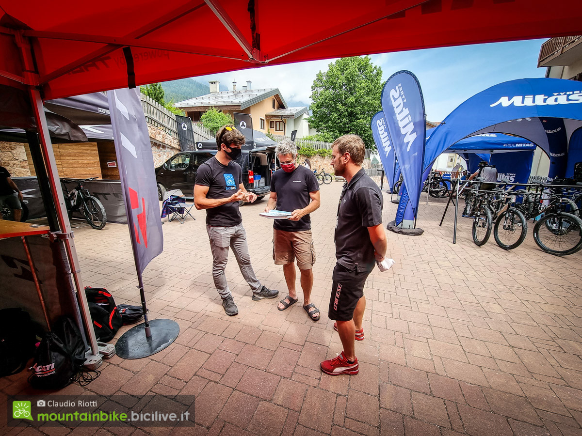 Foto di partecipanti al bike connection summer 2021