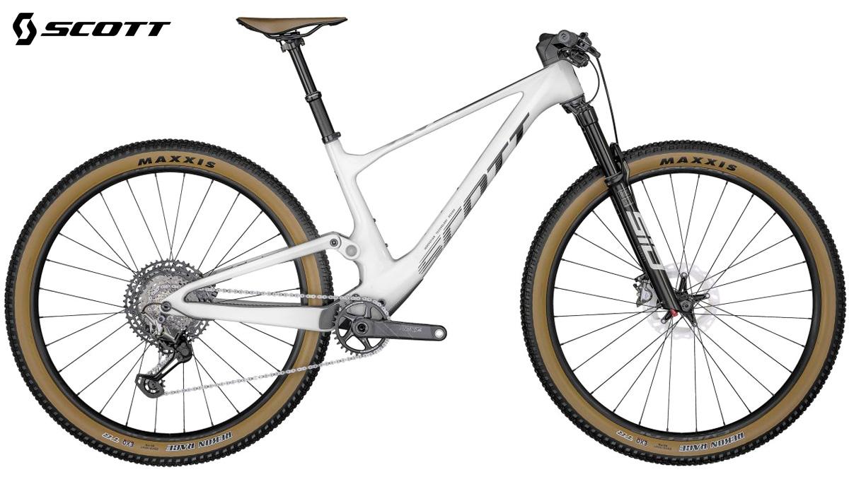 Una mountain bike full suspension Scott Spark RC Pro 2022