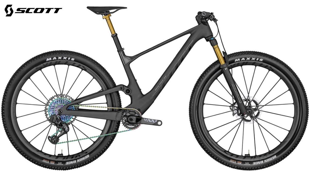 Una mountain bike biammortizzata Scott Spark RC SL EVO AXS 2022