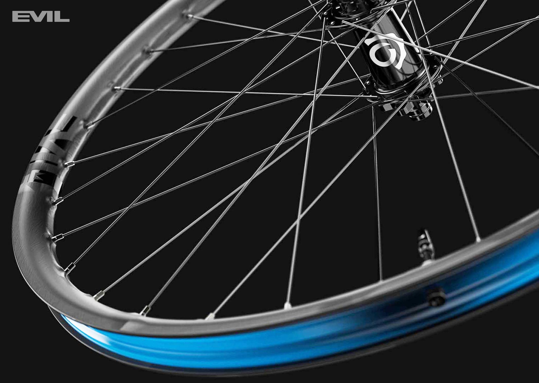 La nuova ruota in carbonio per mountainbike Evil Carbon Loopholes 2022