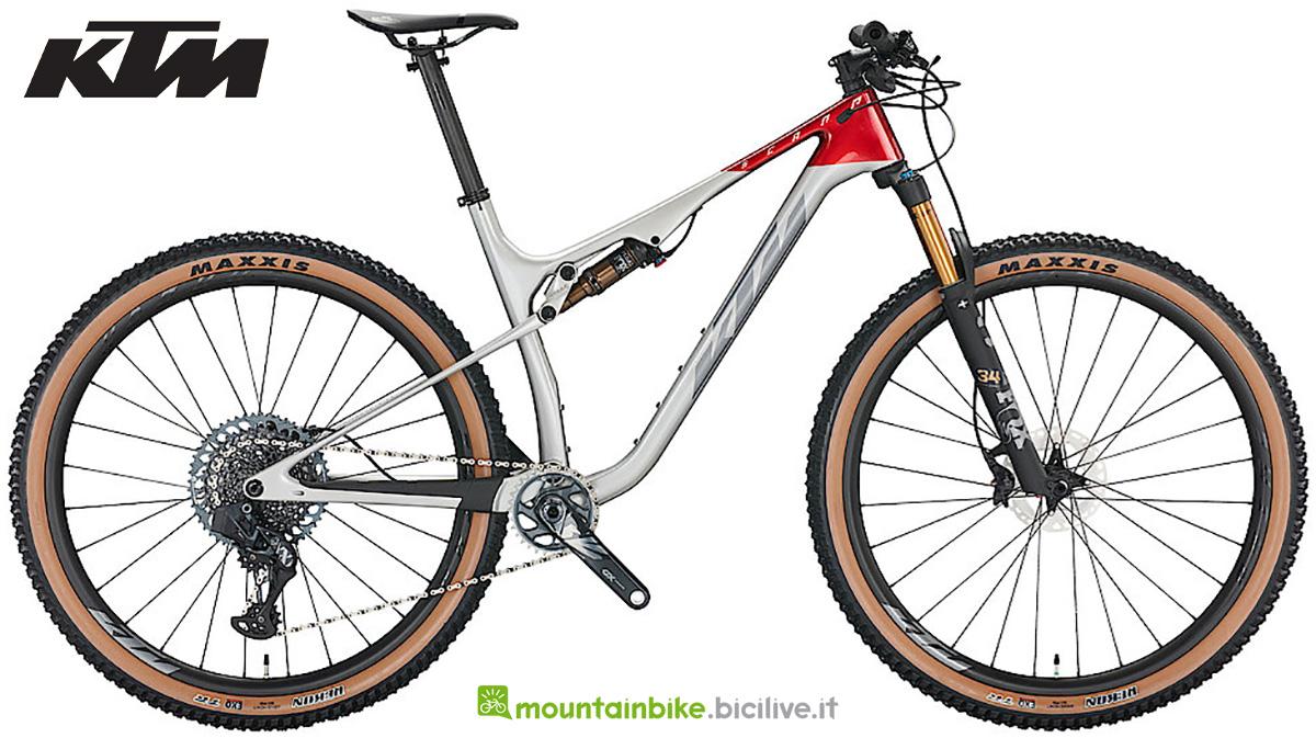 La nuova mountainbike biammortizzata KTM Scarp MT Prime 2022