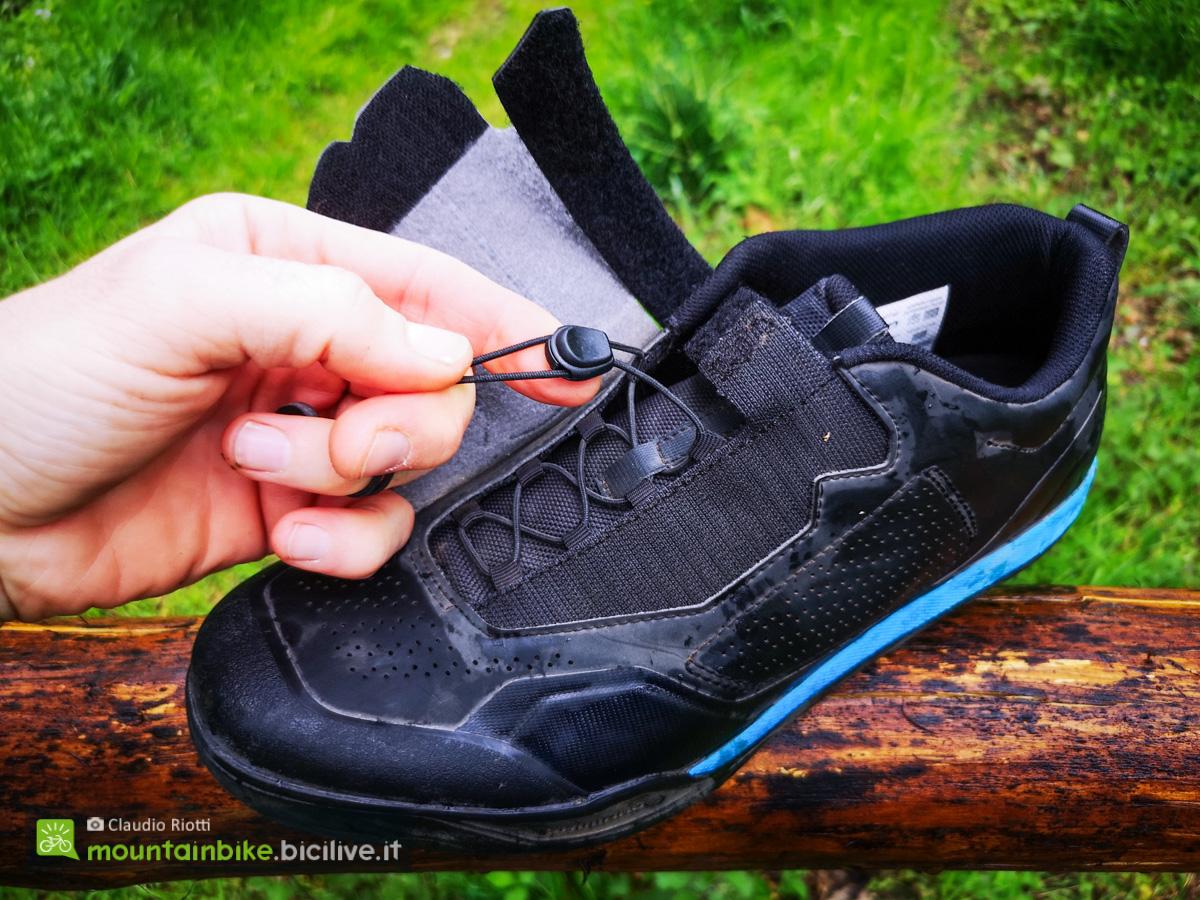Foto dell'allacciatura delle scarpe Shimano AM902