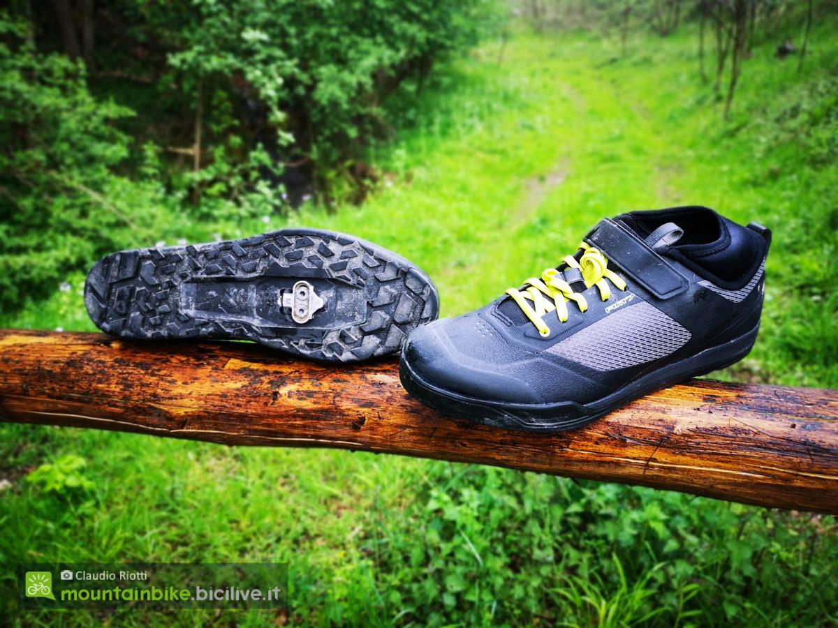 Foto delle scarpe per mtb Shimano AM702