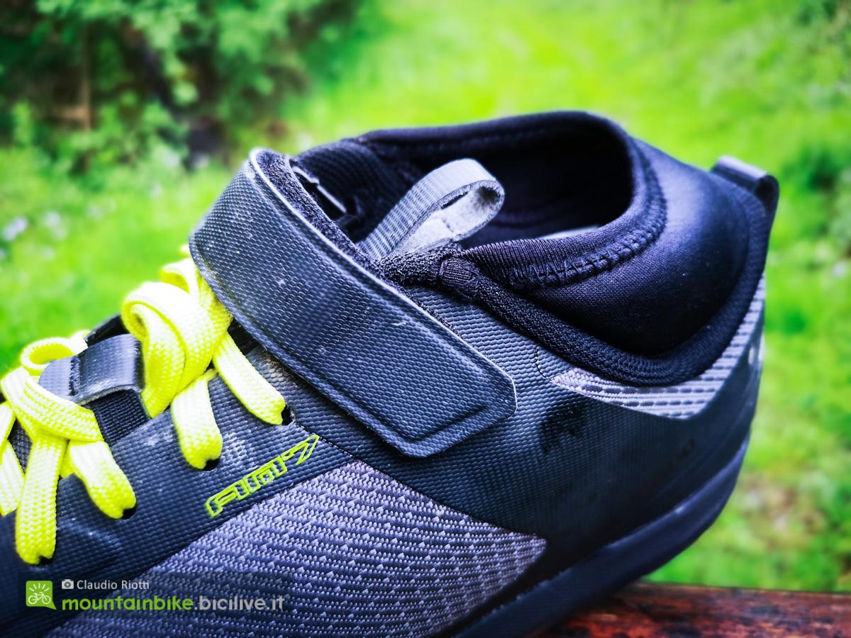 Foto della scarpa Shimano Am7 vista da sopra