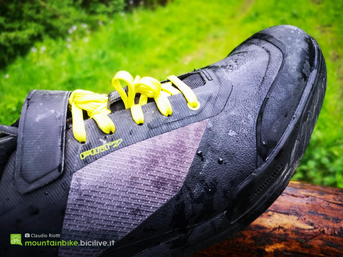 Foto della scarpa da mountain bike Shimano Am701 vista di lato