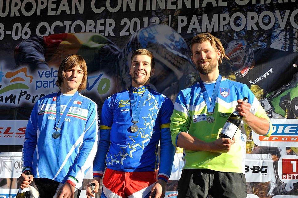 europei_podio_4x